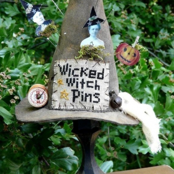 Wicked Witch Pin keep pattern cushion