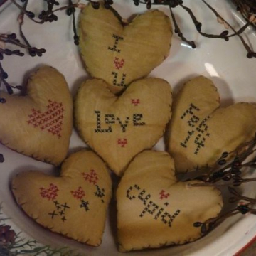 Valentine Heart ornies Faux cross-stitch Pattern bowl filler