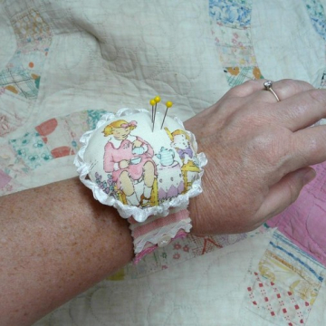 Pretty wrist cuff pin cushion pattern