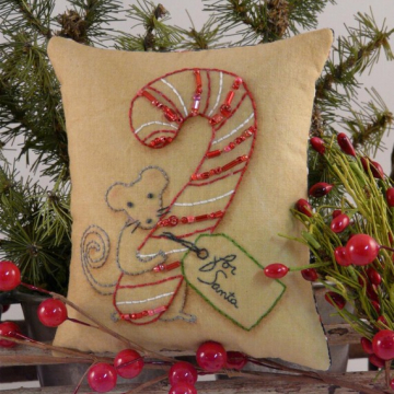 """For Santa"" Mouse Stitchery pattern candy cane"