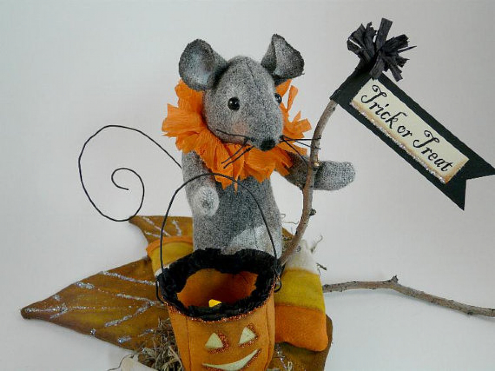 Trick Or Treating Mouse And Lantern Pattern Shirley
